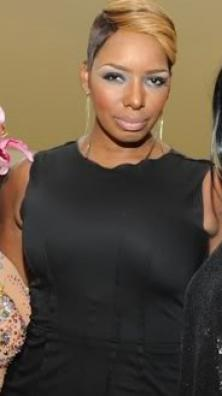 http://4.bp.blogspot.com/_mf84FfCHqtk/S_RBI8ZumII/AAAAAAAAHTs/_3uYYtDor6U/s1600/nene-leakes-before-and-after-nose-job_222x396.jpg