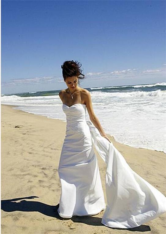 Wedding accessories ideas for Nicole miller beach wedding dress