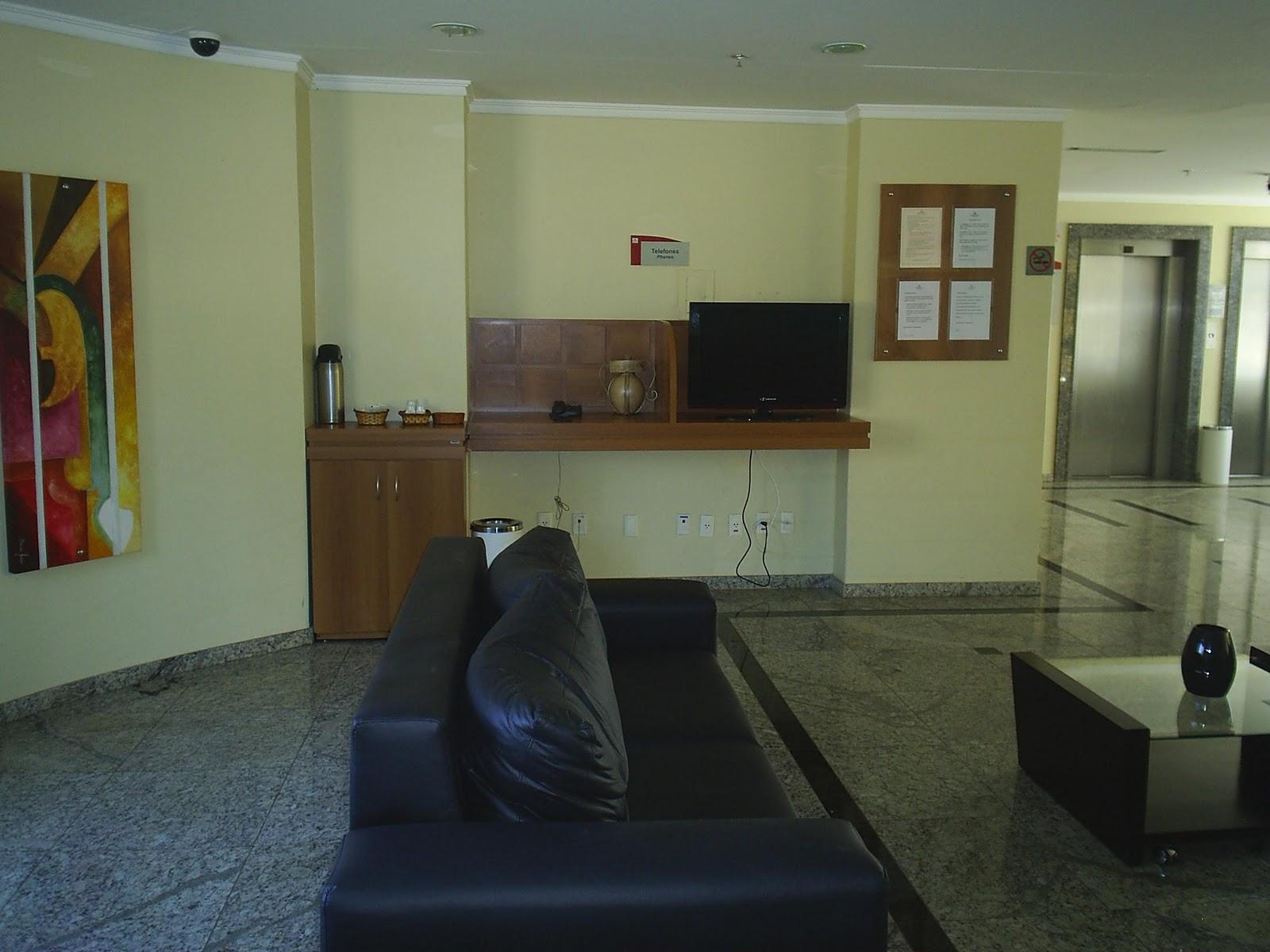 Nivaldo Imóveis: Apart Hotel para Fim de Semana em Caldas Novas #5D4023 1600x1200 Banheiro Casal Com Hidro