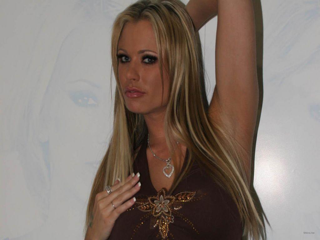 http://4.bp.blogspot.com/_mgcfNAmebuA/TVJ3gam5JGI/AAAAAAAAAIw/x0ArpngBg_c/s1600/Briana+Banks+Sexy+Photo.jpg
