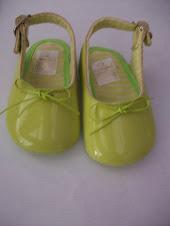 Sandalia verde talla 18