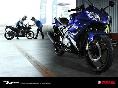 Wallpapers of the Yamaha R15.