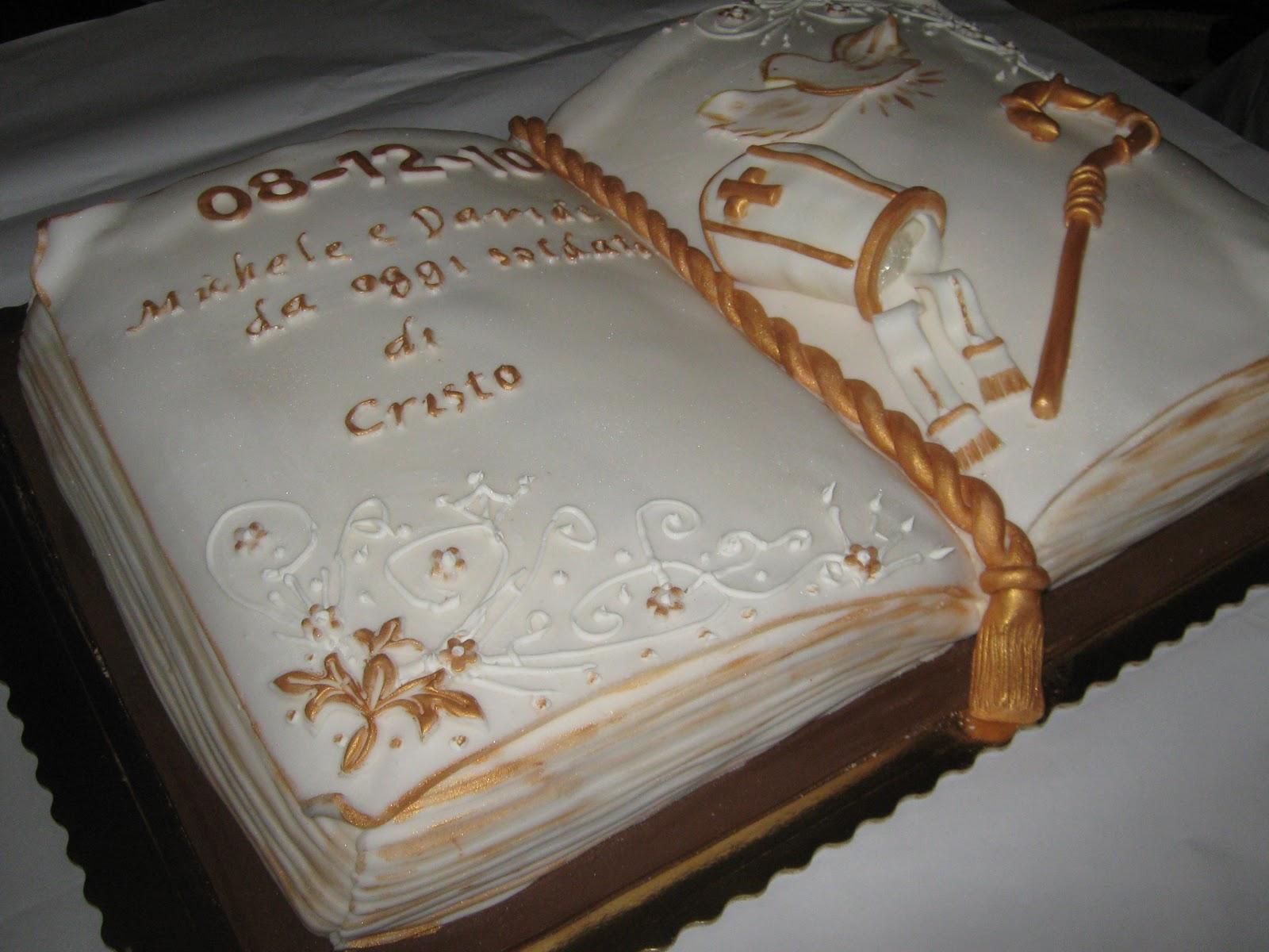 Le torte di barbara un libro aperto per una cresima for Decorazioni torte per cresima