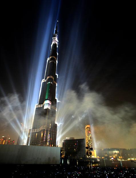 http://4.bp.blogspot.com/_mmBw3uzPnJI/S0NaHQYJ_4I/AAAAAAAA844/Wb_gyHU_g1k/s1600/Burj_Dubai_03.jpg