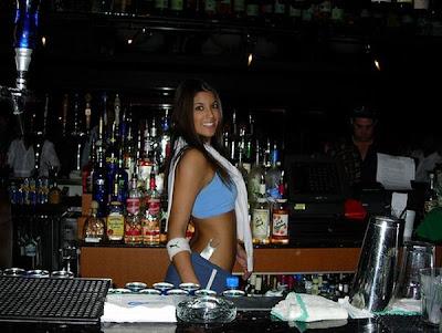 hot bartenders 51 Recopilación de fotos de camareras