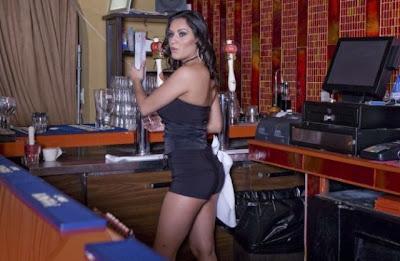 hot bartenders 24 Recopilación de fotos de camareras