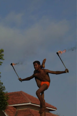 Mallakhamb - Extreme Indian Pole Dancing Seen On www.coolpicturegallery.net