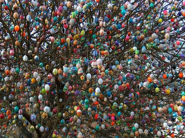 Decorate Christmas Tree For Easter : Easter tree damn cool pictures