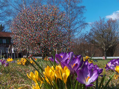 Easter Tree Seen On www.coolpicturegallery.net