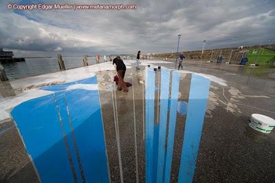 lukisan 3d jurang es di jalanan