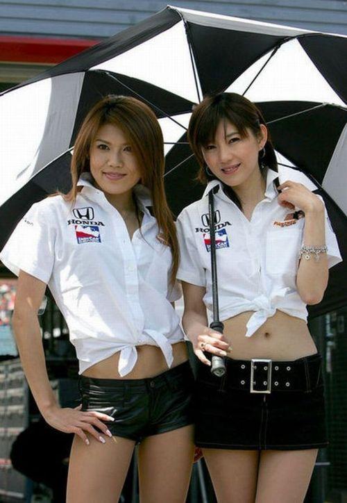 http://4.bp.blogspot.com/_mmBw3uzPnJI/S_u_1AWK2-I/AAAAAAABSN0/CLufXsRIEo4/s1600/Formula1_Pit_Babes_26.jpg