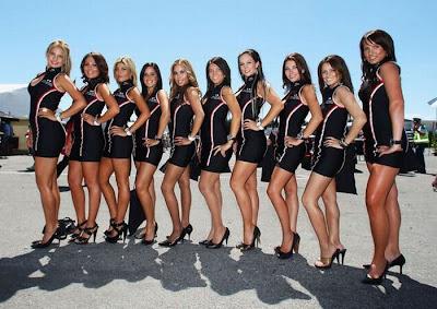 http://4.bp.blogspot.com/_mmBw3uzPnJI/S_u_LCOC_RI/AAAAAAABSME/cZoQm0c2B_w/s1600/Formula1_Pit_Babes_40.jpg
