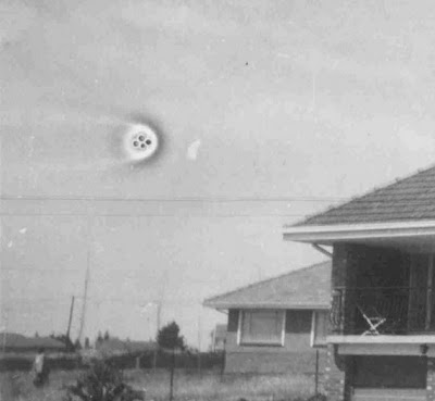 MYSTERY OF LIFE: UFO Pictures - 138 Years of UFO Sightings 1870 ...