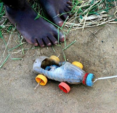 لعبة طفل افريقى