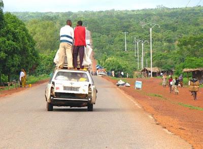 http://just4rt.blogspot.com/2013/01/fotolucuunikanehdiafrika.html