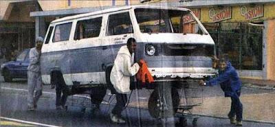 http://www.just4rt.com/2013/01/fotolucuunikanehdiafrika.html