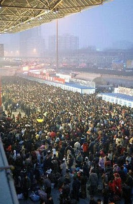 crowded train stations in china 08 Inilah Antrian Terpanjang di Dunia !