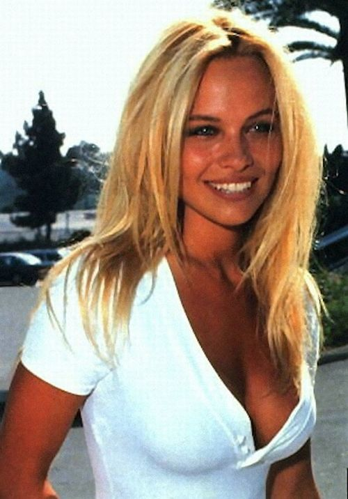 Young Pamela AndersonEarly Pamela Anderson