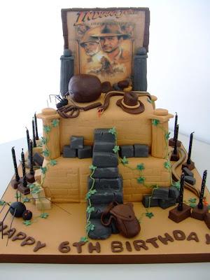 فن الحلويات Creative_cake_designs_40