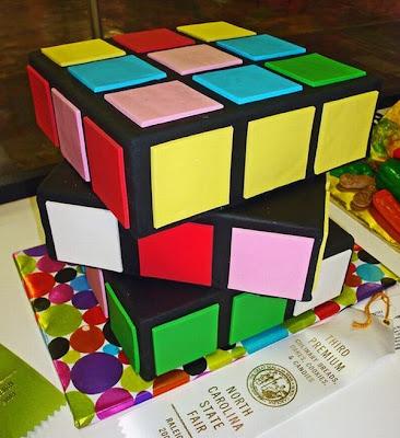 فن الحلويات Creative_cake_designs_16
