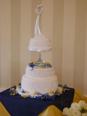 فن الحلويات Creative_cake_designs_12