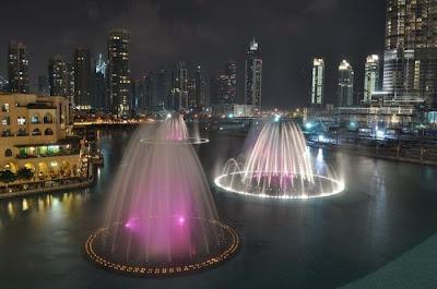 water fountain in burj dubai