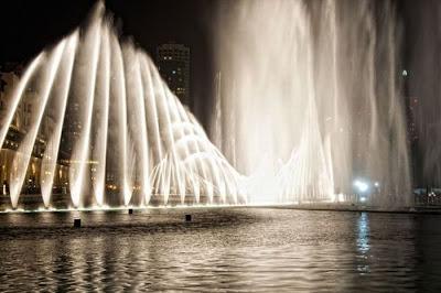 burj dubai lake dancing fountain