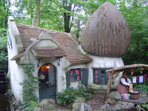 10 Fairy Tale Houses in Real World