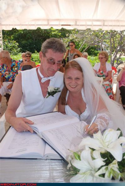 http://4.bp.blogspot.com/_mmBw3uzPnJI/TNBUm1AGcjI/AAAAAAABt2o/HZs77JYYTyo/s1600/funny_wedding_pictures_08.jpg
