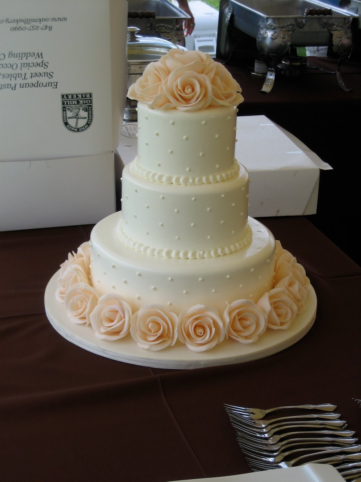 Poppy Button Food A wedding cake that tastes as good as