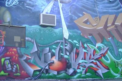 Amazing 3D Murals Graffiti On The Wall