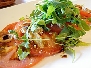 Tomato and Arugula Salad - Scrumptiously Fit Food