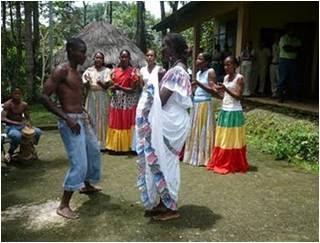 se practican en Panamá se distingue prácticas folklóricas de las