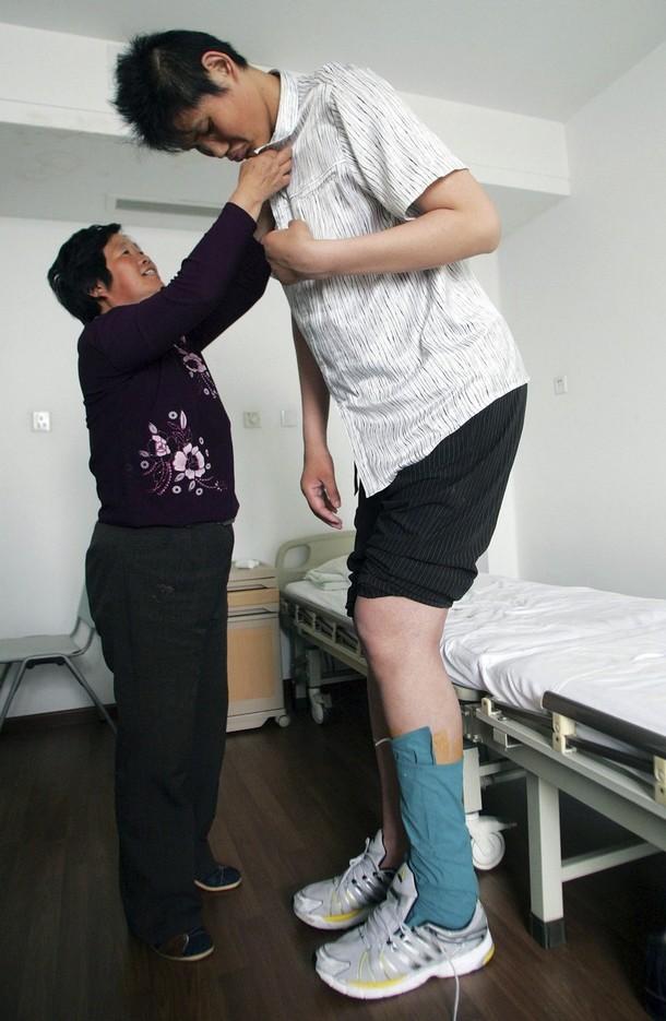 [tallest-man-zhaoliang.jpg]