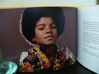 Michael Jackson Hello World The Motown Solo Collection B0012421-02 booklet