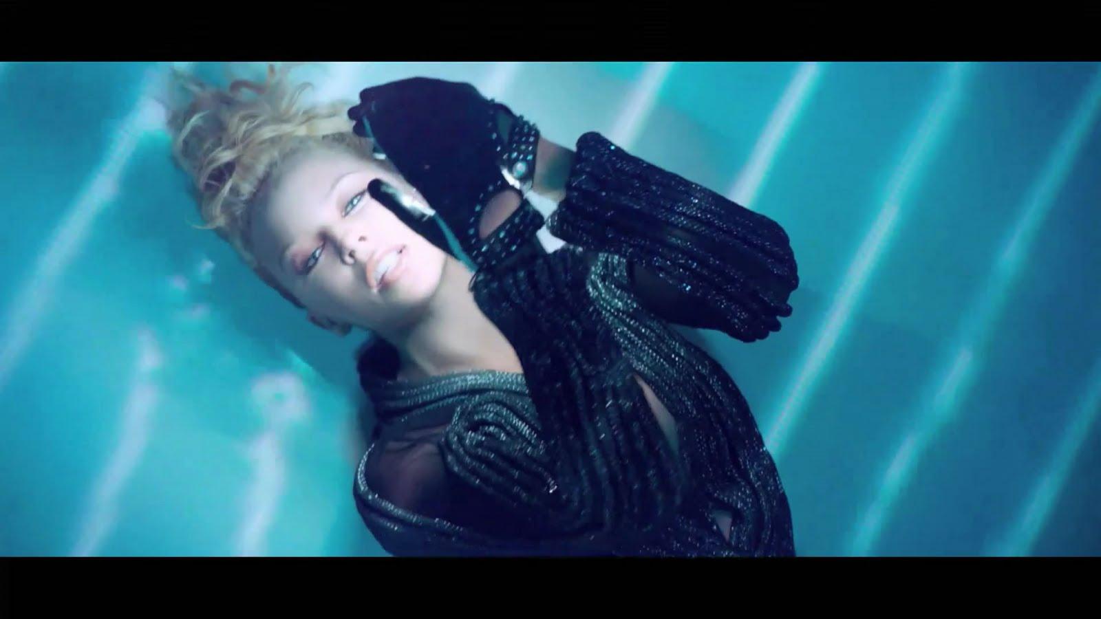 http://4.bp.blogspot.com/_mtOlIyneP-A/TMYZiYIy8nI/AAAAAAAABDM/gNj80xTKpTw/s1600/Kylie+Minogue+-+Get+Outta+My+Way+%28HD%29.mkv_snapshot_00.43_%5B2010.10.25_20.44.53%5D.jpg