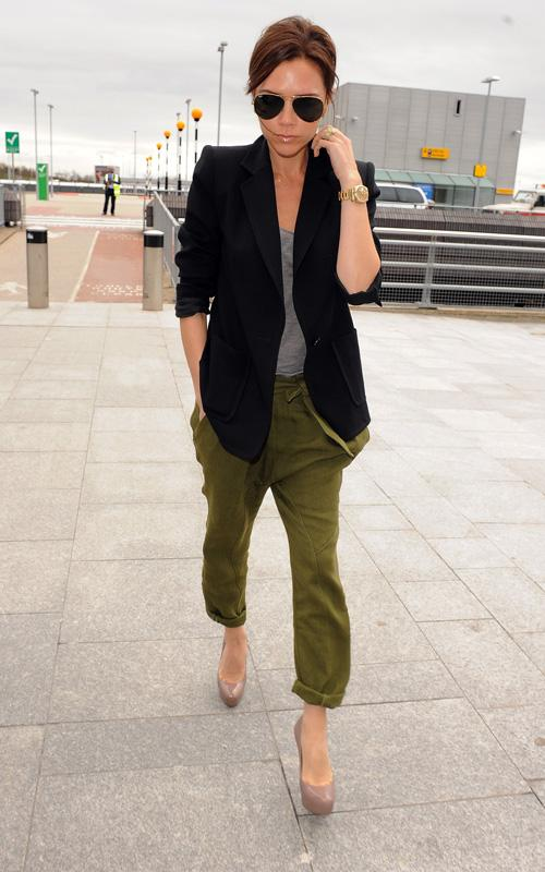 Victoria Beckham wearing it her style! Posted by LadyFozaza at 7:28 PM