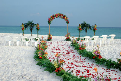 Beach Wedding on Life   With Style  By Michael Ferrera  Beachside Wedding Attire