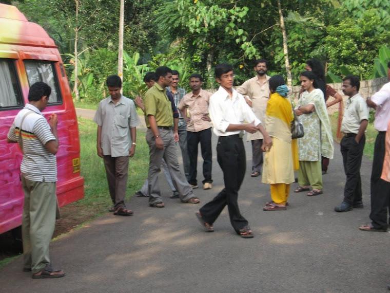 Janmabhumi newspaper staff in Thommankuthu