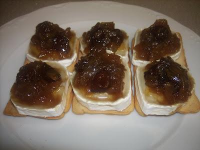 Tosta de queso de cabra con cebolla caramelizada magia for Canape de pate con cebolla caramelizada