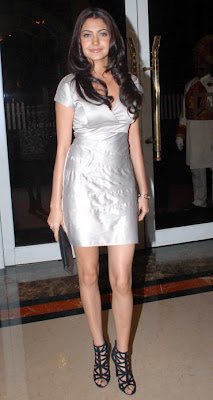 Bollywood's latest fad -- Mini dresses image