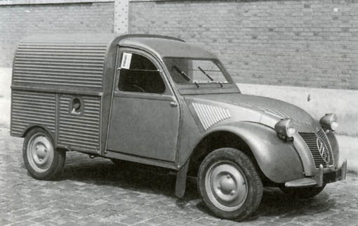 le garage de la nationale 7  citro u00ebn 2cv au 1954