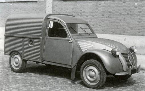 le garage de la nationale 7  citro u00ebn 2cv au 1954