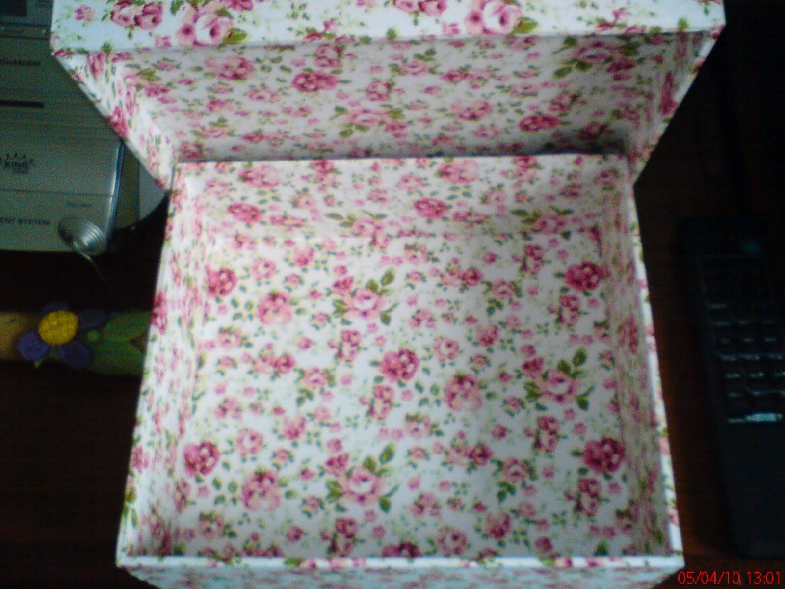 Coisa Bonita Artesanato: Caixa de madeira forrada com tecido #653B43 1600x1200