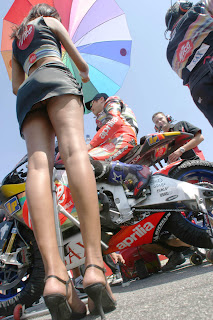 aprillia umbrella girl photo hot