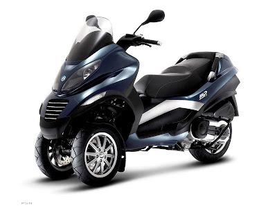 2009 piaggio mp3 400 scooter motorcycle twin wheels. Black Bedroom Furniture Sets. Home Design Ideas