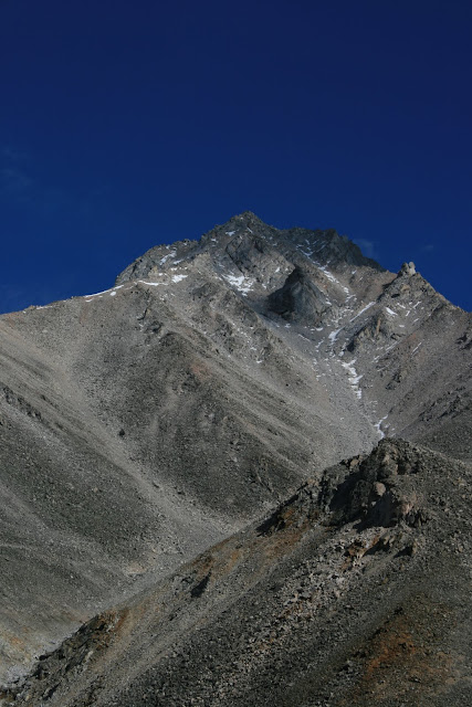 Манку Сардык с территории Монголии