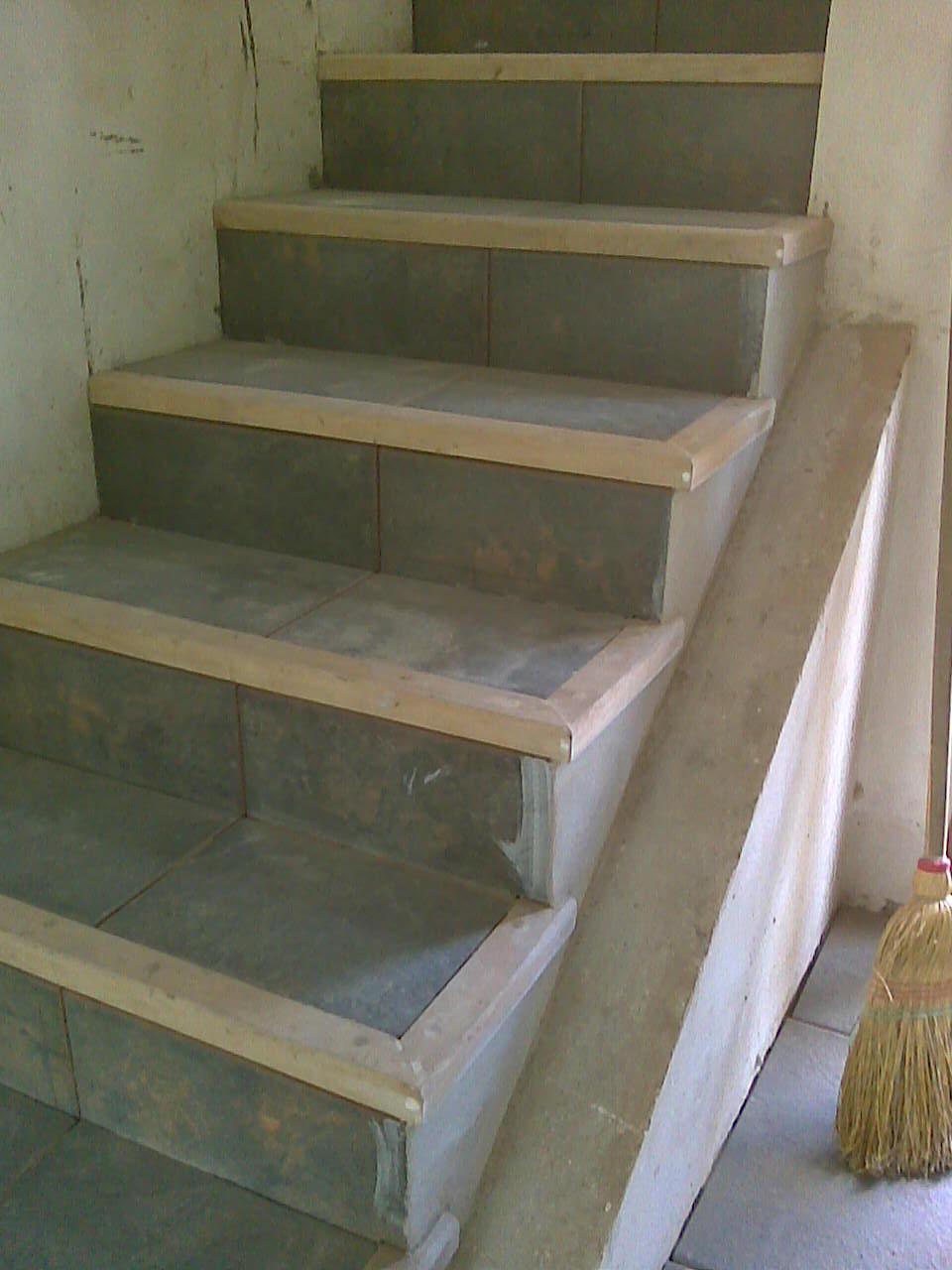 Muebles a medida tandil narices de escalera en marmelero - Muebles en escalera ...