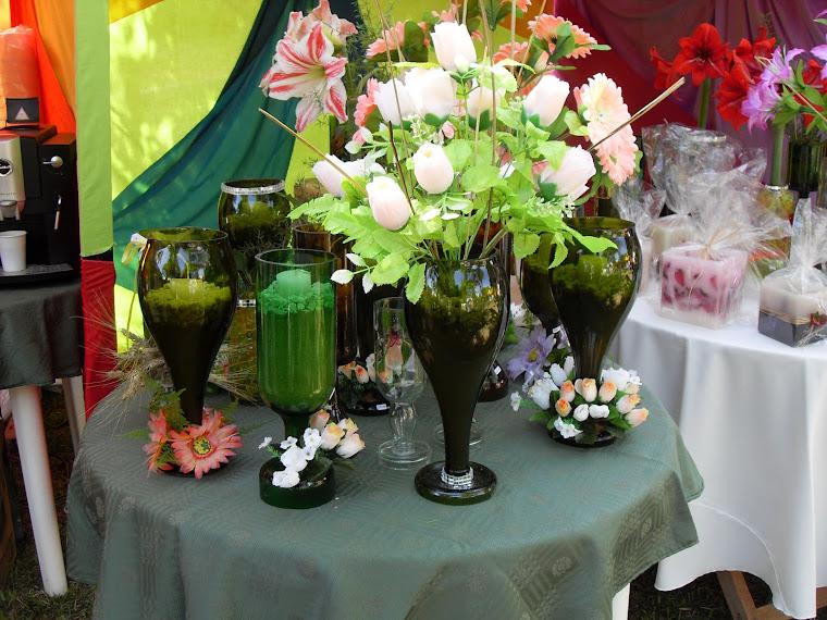 Manualidades centros de mesa para 15 a os reciclados for Articulos decoracion baratos