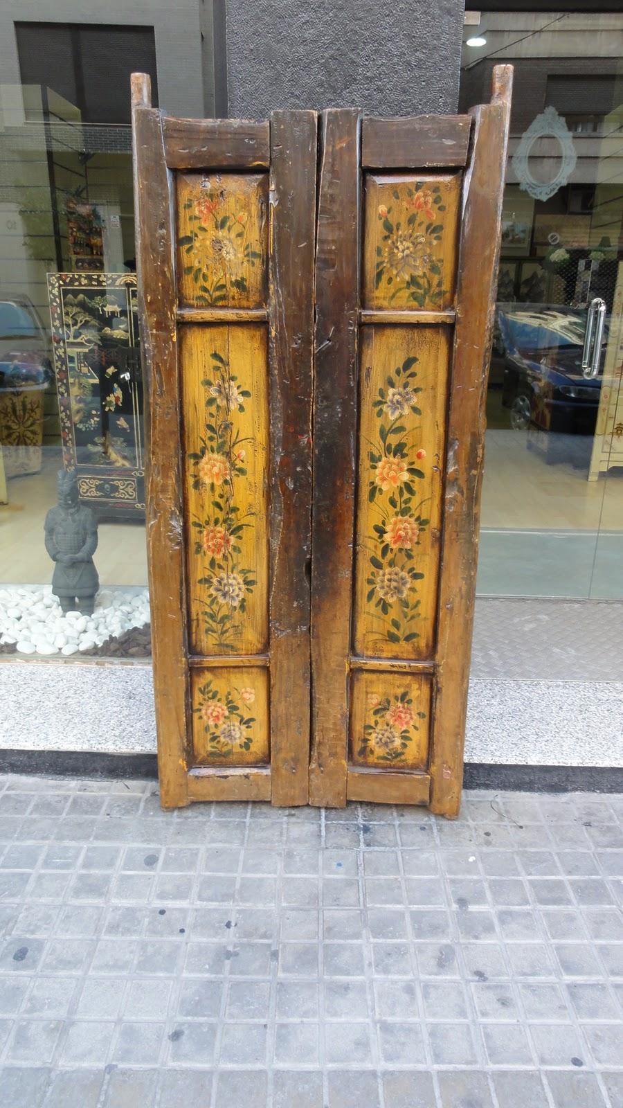 Puertas antiguas decoradas for Puertas correderas antiguas